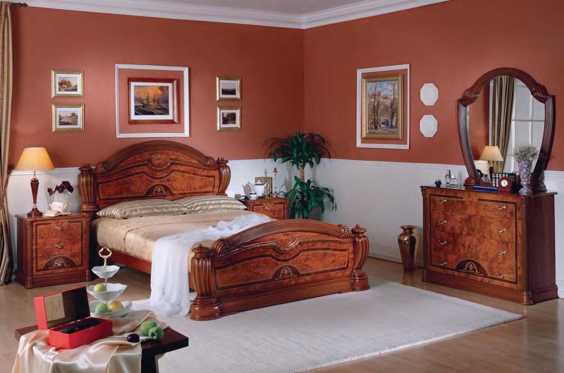Выбирайте спальный гарнитур в спальню, согласно размерам ваш.
